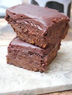 Vegan brownies without sugar and gluten, bluffing! – Paris in my kitchen Source by agenceenvolcrea Vegan Brownie, Vegan Cake, Brownie Recipes, Healthy Desserts, Sweet Recipes, Vegan Recipes, Patisserie Vegan, Sweet Potato Brownies, Vegan Kitchen