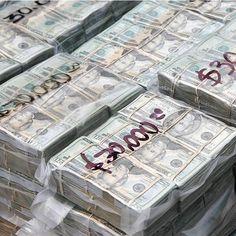 Make Money Online, How To Make Money, Formation Marketing, Mo Money, Cash Money, Money Bank, Money On My Mind, Money Notes, Money Stacks