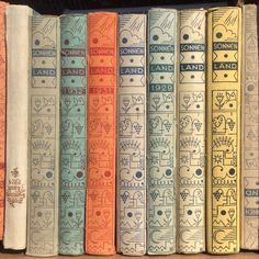 Charming Book Spine Wallpaper Uk 53 on boonk gang wallpaper by Book Spine Wallpaper Uk Vintage Type, Vintage Books, Buch Design, Book Spine, Book Writer, Vintage Lettering, Penguin Books, Book Cover Design, I Love Books