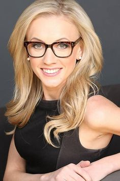 At Homecoming with Fox News' Katherine Timpf - Hillsdale Collegian Fox New Girl, Female News Anchors, Megyn Kelly, Hazel Eyes, Woman Crush, Celebs, Celebrities, Chic, Lady