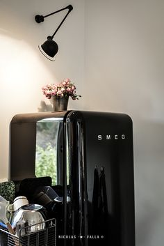 Black smeg -★- jielde light