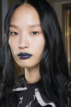 Self Portrait Fall 2018 Fashion Show Backstage - The Impression New York Fashion Week 2018, Autumn Fashion 2018, 80s Hair, Beauty Industry, Fall 2018, Designer Collection, Backstage, Fashion Show, Hair Makeup