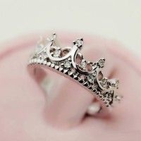 Women's Fashion Rings Lovely Vintage Cutout Crown Design Cubic Zirconia Ring (Size 6)