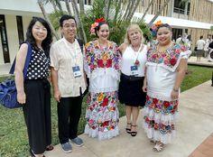 Wang Lijuan e Maristela Abad, diretoras do IC da UnB em Mérida, México. Congresso dos Institutos Confúcio da América Latina.