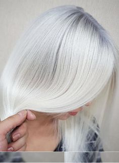 Natural grey hair color trends to wear in 2017 2018.