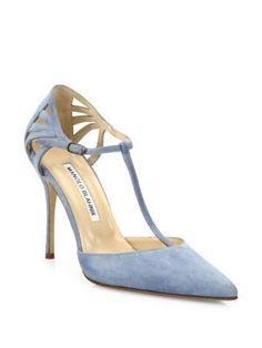 MANOLO BLAHNIK Getta Suede T-Strap Pumps. #manoloblahnik #shoes #pumps