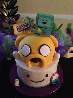 Finn and jake cake, adventure time cake @Jessica Vasquez