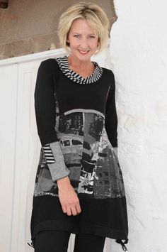 Tina Taylor black/grey striped cowl tunic.e173. Sleeve detail.