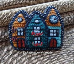 Купить Разноцветная Голландия 4 - brooch, купить брошь вязаную, купить брошь оригинальную Embroidery Jewelry, Beaded Embroidery, Cross Stitch Embroidery, Embroidery Patterns, Crochet Brooch, Crochet Art, Brooches Handmade, Handmade Jewelry, Knitting Projects