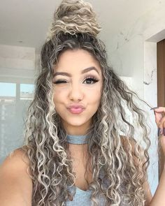 10 modern hairstyles ideal for Chinese hair peinados-modernos-cabello-chino - Unique World Of Hairs Curly Hair Styles Easy, Cute Curly Hairstyles, Modern Hairstyles, Medium Hair Styles, Short Hair Styles, Natural Hair Styles, Hair Medium, Blonde Curly Hair Natural, Chinese Hairstyles