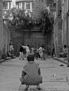 Street football in Sana'a, Yemen (Lara Kirk) #yemen #photography