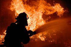 Двое детей сгорели в пылающем доме в Хабаровске https://apral.ru/2017/11/18/dvoe-detej-sgoreli-v-pylayushhem-dome-v-habarovske.html  В Хабаровске при пожаре погибли двое детей. Возгорание произошло в одном из частных домов, оперативники СК региона начали расследование по факту гибели потерпевших. Согласно данным экстренной службы, 18 ноября, ночью, на территории Краснофлотского района Хабаровска произошел пожар. Загорелся одноэтажный частный дом. На момент пожара внутри были люди. Одна…