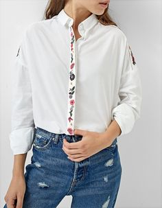 Bet blouse with front buttons and woven collar Made in Barcelona. Mao collar Women/'s shirt with hand print and pianos