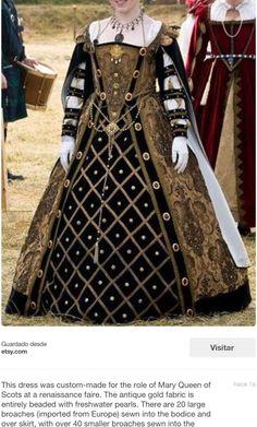 Uno de sus preciosos vestidos...