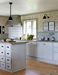 The best way to Use Kitchen Wallpaper to Replace Your Kitchen - Homestya Kitchen Cabinets Decor, Cabinet Decor, Kitchen Furniture, Beddinge, Kitchen Wallpaper, Hippie Home Decor, Home Decor Paintings, French Decor, Minimalist Decor