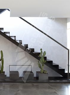 Escalier on pinterest stair risers stairs and metals for Interieur contemporain