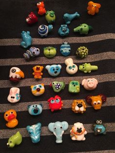 Mutperlen Schweiz Clay Beads, Lampwork Beads, Beads Of Courage, Glass Animals, Diy Blog, Beaded Animals, Fused Glass Art, Polymer Clay Projects, Clay Charms