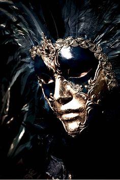 Gold & Black Venetian mask by Mordecai83