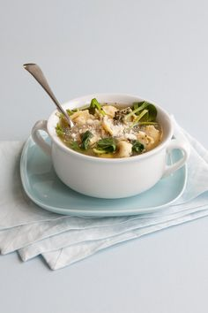Epicure's Spinach and Pesto Tortellini Soup. Ready in 15 minutes - a comforting, quick-fix dinner to warm up with. Epicure Recipes, Lunch Recipes, Fall Recipes, Donna Hay Recipes, Vegetarian Menu, Easy Healthy Recipes, Yummy Recipes, Recipies, Home