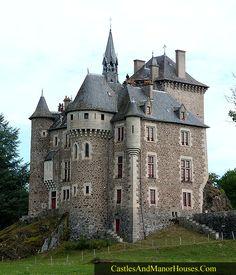 Castillo de Couzan, Vebret, antignac, Auvergne, Francia. -