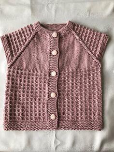 Most Stylish Vest Cardigan Knitting Models Matching Sweaters, Baby Sweaters, Girls Sweaters, Knitting For Kids, Loom Knitting, Knitting Stitches, Crochet Vest Pattern, Baby Knitting Patterns, Baby Vest
