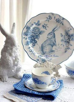 Bunny cottage with blue and white dishes Blue Dishes, White Dishes, Blue And White China, Blue China, China China, Design Creation, White Cottage, Vintage Dishes, White Decor