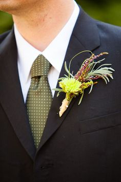 like this boutonniere for fall