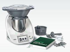 Thermomix® de Vorwerk es un robot único que cambiará tu modo de cocinar, ahorrándote tiempo y esfuerzo mientras aumentas tu repertorio de recetas. Su compacto diseño ocupa poco más espacio de trabajo que una hoja de tamaño A4, siendo a la vez tremendamente eficiente con las doce diferentes funciones de Thermomix® que te ofrecen versatilidad …