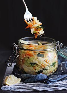 How To Make Homemade Fermented Vegetables | http://helloglow.co/make-homemade-fermented-vegetables/