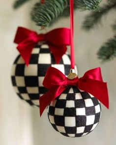 love the check ball ornaments ~ love the colors