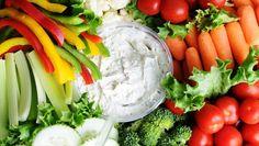 Blood-Sugar-Stabilizing artichoke dip with raw vegetables