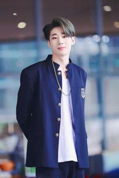 Khottie of the Week: Han Seung Woo or Seungwoo is the leader of VICTON