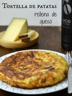 Tortilla de patatas rellena de queso. #TypicalSpanish | Cuuking!
