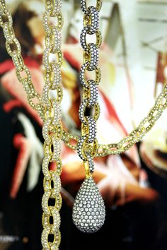 24 k gold, exquisite niello, sparkling crystals - handcrafted jewelry is the best! Crystal Drop, Handcrafted Jewelry, Pearl Necklace, Sparkle, Pendants, Pearls, Crystals, Gold, Fashion