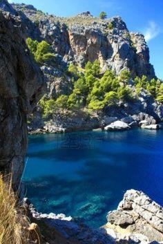 Isla de Mallorca sa calobra pareis canyon, Spain Beautiful Places In The World, Beautiful Beaches, Around The World In 80 Days, Around The Worlds, South Of Spain, Holiday Places, Costa, Balearic Islands, Majorca