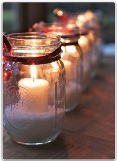 Pots en verre et bougies 1 Candle Jars, Candle Holders, Candles, Mason Jar Centerpieces, Mason Jars, Pots, Christmas Lights, Diy, Simple