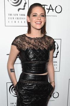 kristen stewart image makers awards | Kristen Stewart überglücklich bei Film Critics Circle Awards | www ...