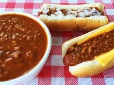 Get the best Wienerschnitzel Chili Sauce recipe on the ORIGINAL copycat recipe website! Todd Wilbur shows you how to easily duplicate the taste of famous foods at home for less money than eating out. Dog Recipes, Chili Recipes, Copycat Recipes, Sauce Recipes, Gourmet Recipes, Cooking Recipes, Healthy Recipes, Cooking Chili, Barbecue Recipes