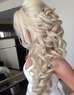 Wedding hairstyle inspiration Elstile MODwedding Selected hairstyle Elstile www elstile ru Wedding hairstyle idea You are in the right place for home decor accessories When it comes nbsp hellip Elegant Wedding Hair, Wedding Hair Down, Trendy Wedding, Perfect Wedding, Wedding Rings, Wedding Makeup Tips, Bride Makeup, Side Hairstyles, Wedding Hair Inspiration