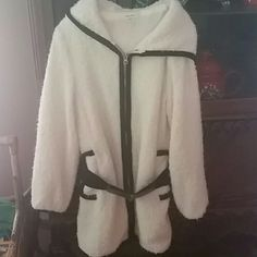 Brand new white and black coat warm and beautiful Warm brand new Jackets & Coats
