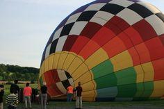 Balloon pilot Chris Healy and crew preparing a balloon for flight in Goshen NY, on May 29, 2015. (Kati Vereshaka/Epoch Times)