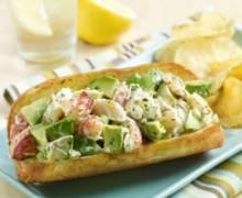 A wonderful lobster roll recipe that is perfect for our Langostino Lobster Meat www.seatechcorp.com/chileanlangostino