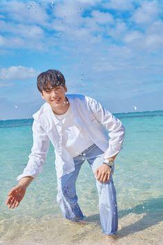 Image may contain: 1 person, standing, ocean, outdoor and water Cha Eun Woo, Korean Men, Korean Actors, Park Jin Woo, Cha Eunwoo Astro, Astro Wallpaper, Kdrama, Lee Dong Min, Jung Hyun