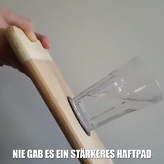 💪🏼Damit kannst du ALLES FIXIERN – wieder und wieder und wieder 📱📖🥛 You do not always have to go straight to the drill, to hammer and nail or expensive mounts if you want to. Auto Gif, Bmw Autos, Wine Rack Wall, Clothing Hacks, Office Organization, Interior Design Living Room, Free Crochet, Drill, Adhesive