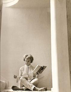 CL: 366 / Doris Day (1922-....) - Doris Mary Ann Kappelhoff, mejor conocida en el mundo artístico por su seudónimo Doris Day, es una actriz y cantante estadounidense de pop tradicional y jazz. Nacida en una familia de clase media, sus inicios profesionales sucedieron en la radio.