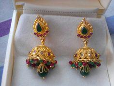 Gold Jhumka Earrings, Jewelry Design Earrings, Gold Earrings Designs, Beaded Jewelry, Gold Jewellery, Gold Designs, Indian Earrings, Ear Jewelry, Indian Jewelry