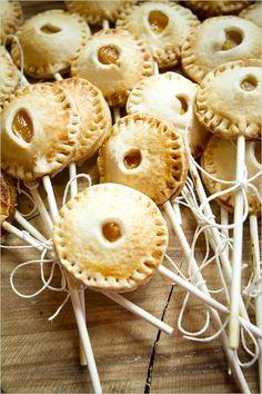 pie pops | diy pie pops | how to make your own pie pops | gluten free dessert ideas | #weddingchicks