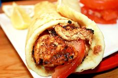 Chicken Shawarma with Garlic Oil. Ok- this is the first time I've seen Shawarma. I thought they made it up for the Avengers movie! Shawarma, Turkey Recipes, Chicken Recipes, Tapas, Great Recipes, Favorite Recipes, Good Food, Yummy Food, Healthy Food