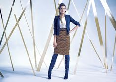 Lookbook -  Autumn Winter 2014/15 printowa wysoka spódnica, koszula, krótki żakiet wysokie czarne skórzane kozaki