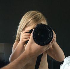 Foto kurs i Shippey Photography AB studion i Köping, Sweden. Vill du också gå en fotokurs i grupp eller privat så hör av dig till Helen Shippey hey@shippey.se #Fotokurs #Fototips #Fotoutbildning #Lärdigfota #Fotografering #västerås #Västeråsfotograf #Mästarbrev #Fotoworkshop Grupp, Photography Workshops, Abs, Photo Studio, Crunches, Abdominal Muscles, Killer Abs, Six Pack Abs